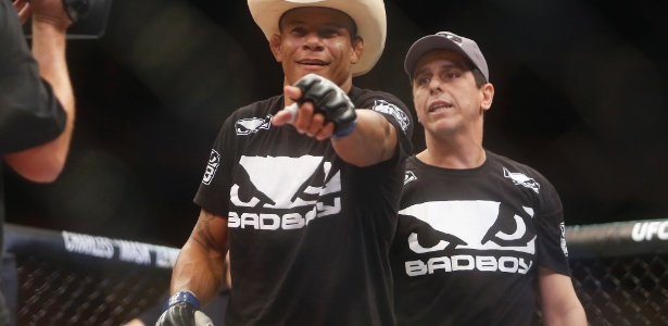"""Alex """"Cowboy"""" Oliveira abrirá o card principal do UFC 207 na próxima sexta (30) - William Lucas/Inovafoto"""