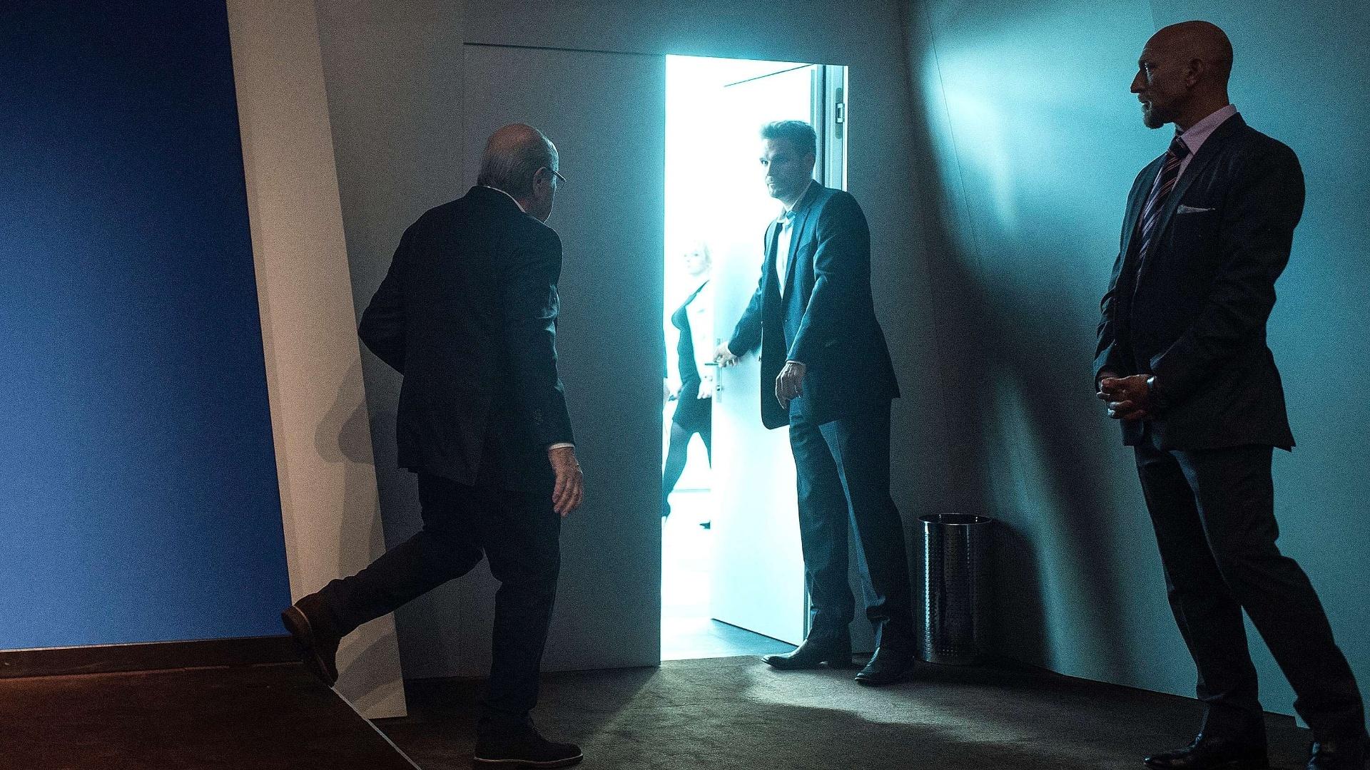 Blatter deixa a coletiva em que anunciou sua renúncia da Fifa