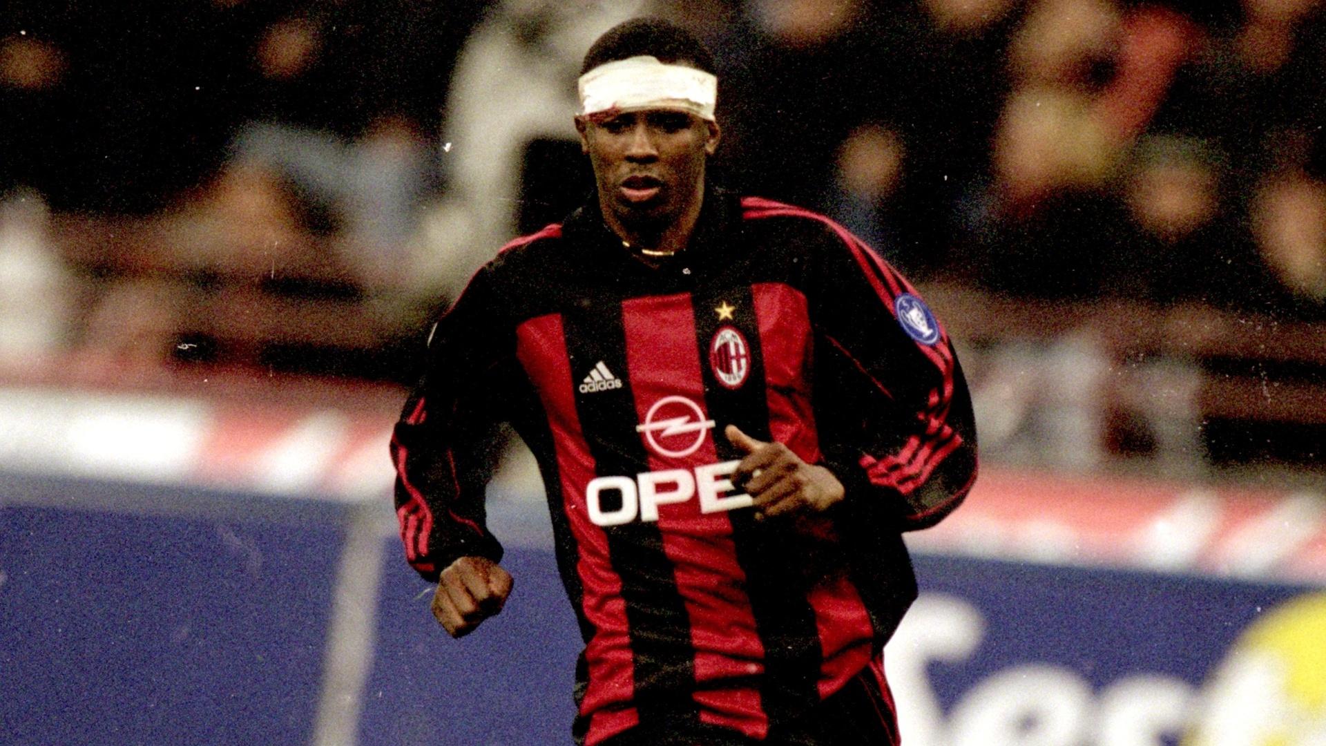 Roque Júnior com a camisa do Milan