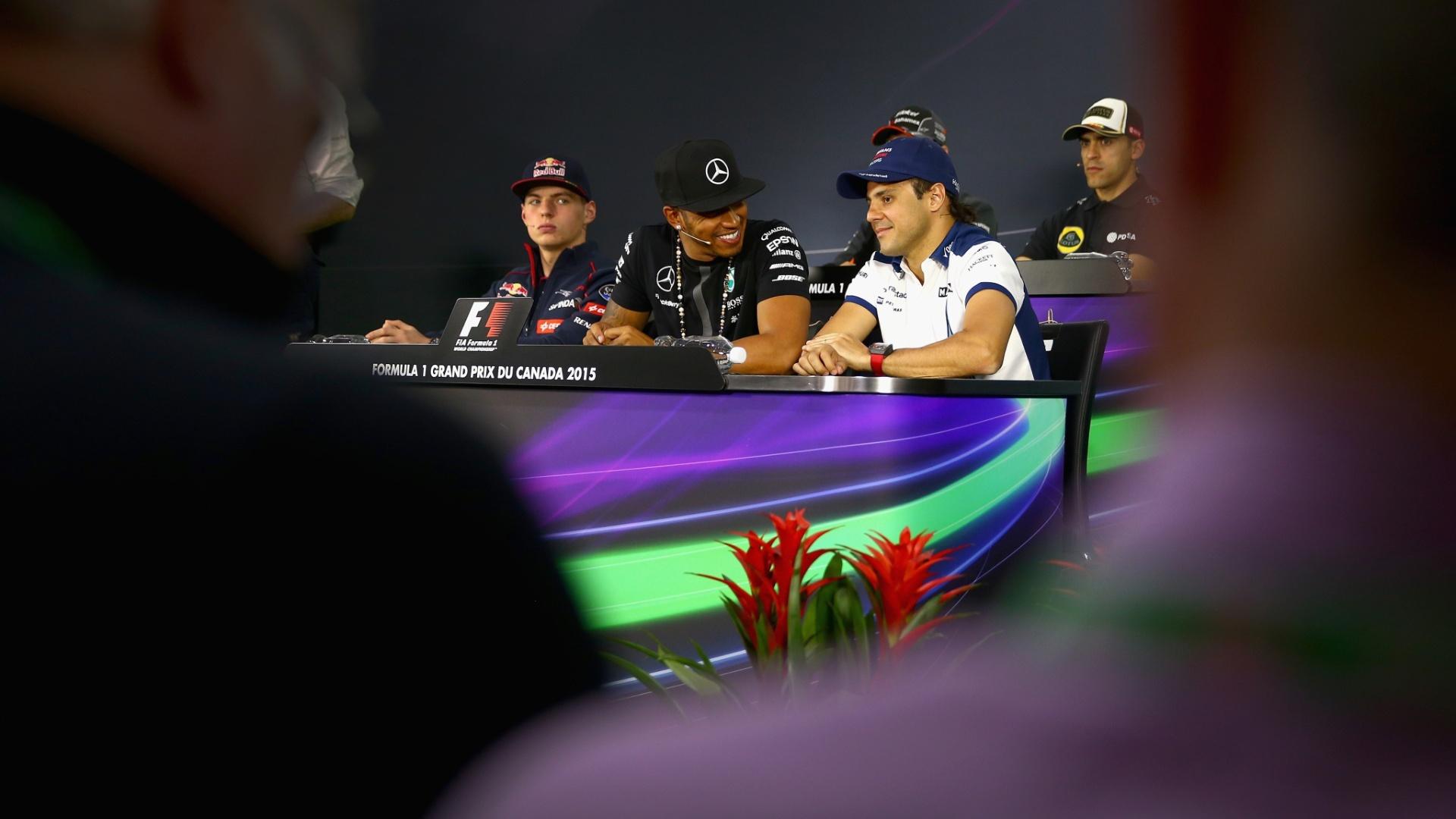 04.jun.2015 - Max Verstappen (e), Lewis Hamilton (c) e Felipe Massa (d) participam de entrevista coletiva prévia ao GP do Canadá