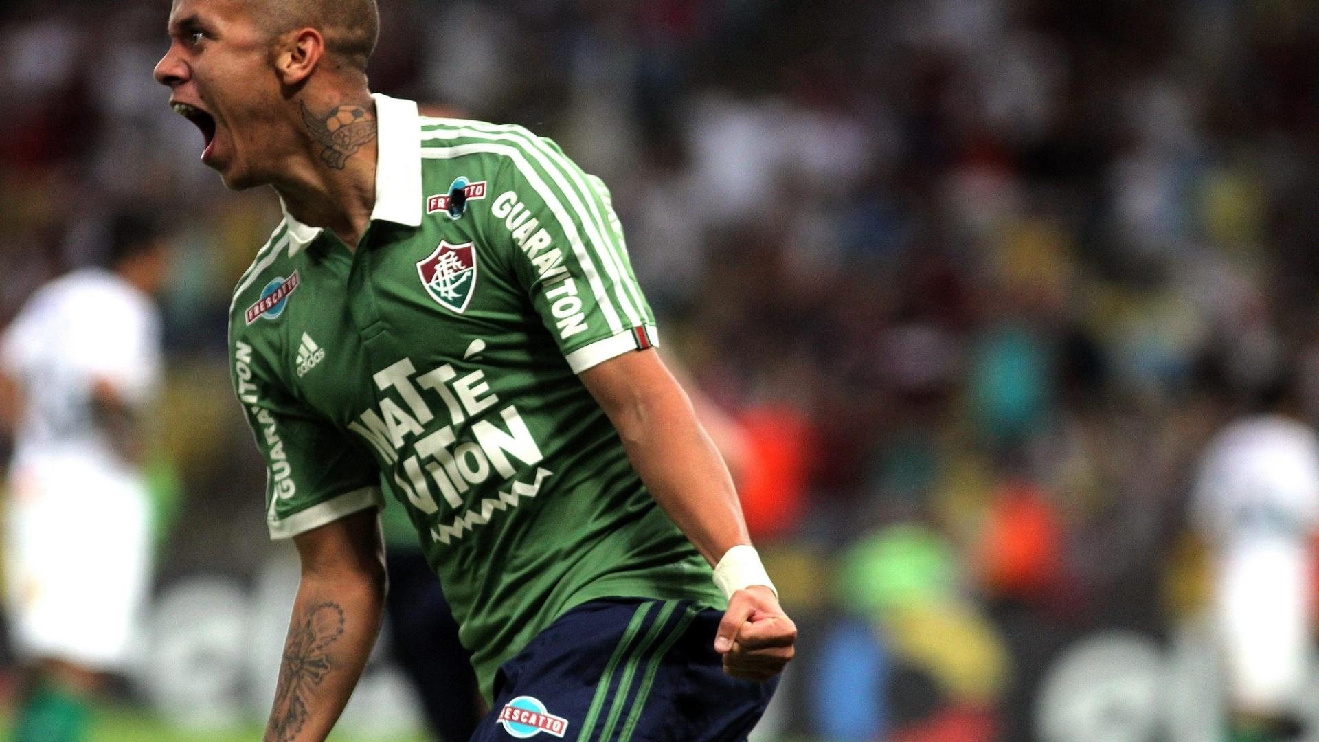 Marcos Jr. comemora após marcar o segundo gol do Fluminense contra o Coritiba, em partida nesta quinta-feira (4), pelo Campeonato Brasileiro