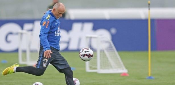 Taffarel já vinha trabalhando na comissão técnica fixa da seleção brasileira