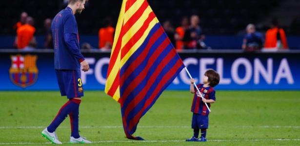Filho de Piqué participará de ograma piloto do Barcelona para crianças -  Reuters / Kai Pfaffenbach