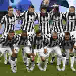 Time da Juventus posa para foto antes da final da Liga dos Campeões - AFP PHOTO / ODD ANDERSEN