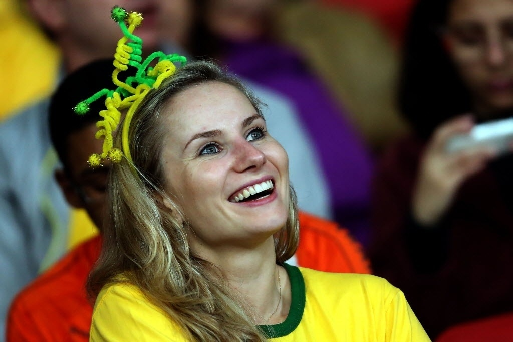 Torcedora marca presença para amistoso entre Brasil e Honduras