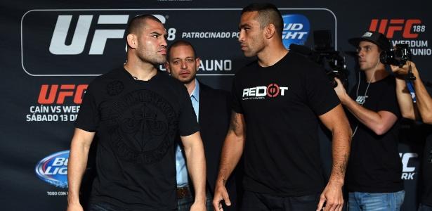 Cain Velásquez e Fabrício Werdum lutariam pelo cinturão dos pesados no UFC 196 - Getty Images