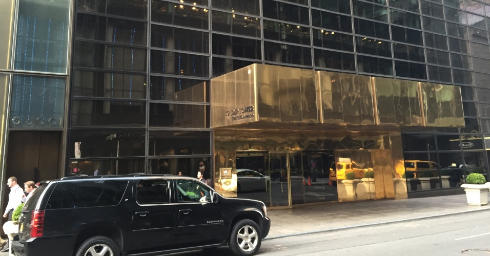 Entrada do Trump Tower, apartamento de luxo no centro de Nova York