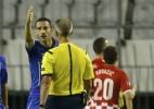 Suástica no gramado marca empate de Croácia e Itália. Mandzukic é destaque - REUTERS/Antonio Bronic