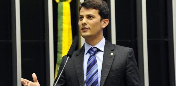 Deputado adia para setembro discussão sobre direitos de atletas em rescisão
