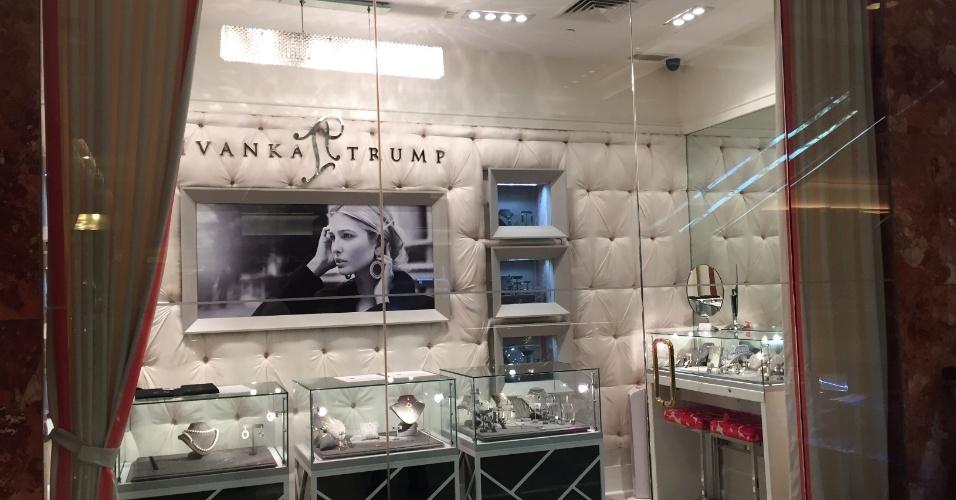 Trump Tower conta com lojas de luxo, como joalheria