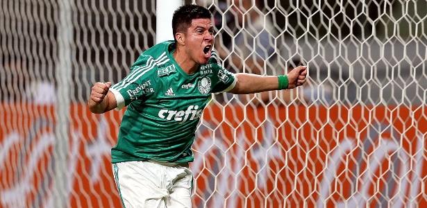 Cristaldo recebeu sondagens de fora, mas quer ficar no Palmeiras, garante Cuca