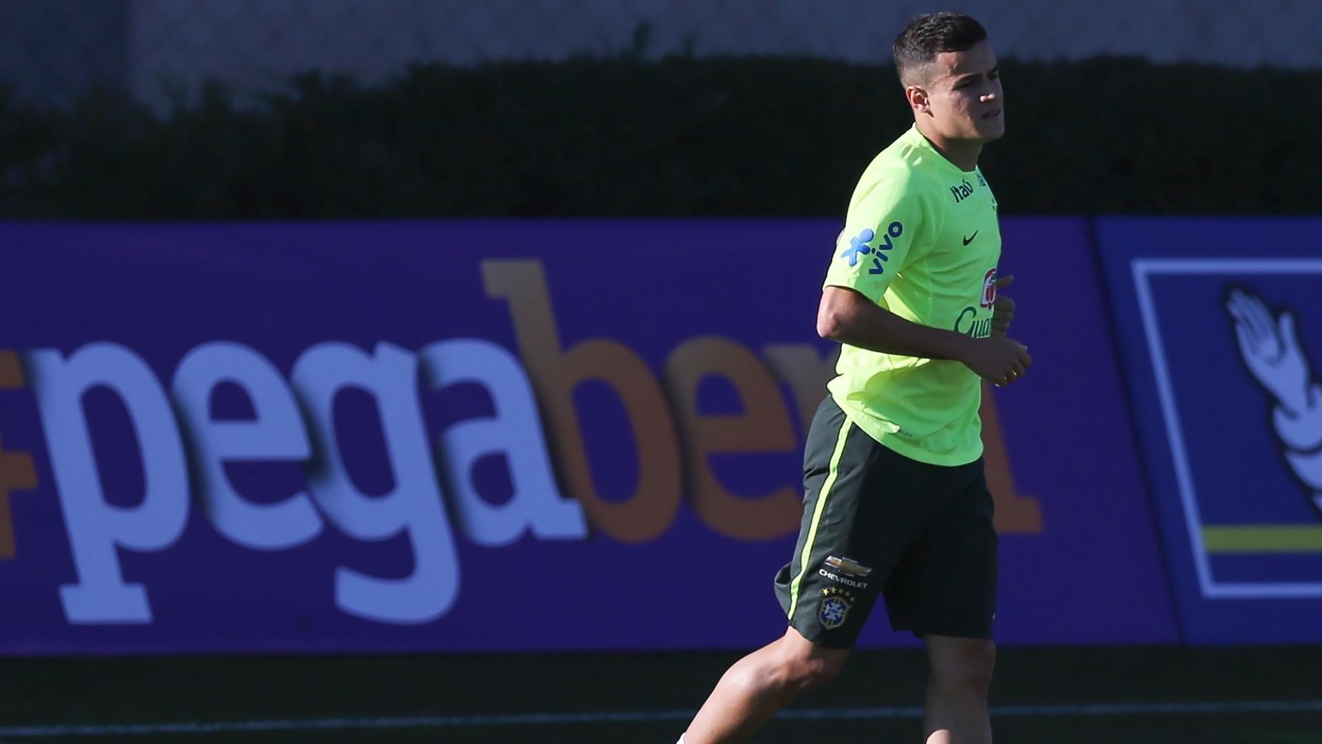 Philippe Coutinho volta a treinar com a seleção brasileira, no Chile