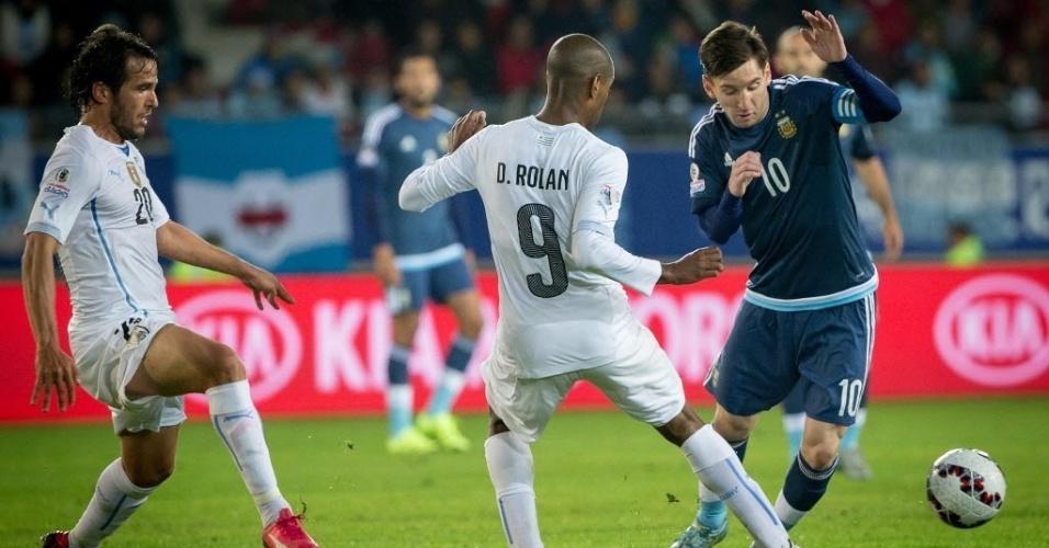 Lionel Messi deixa marcador para trás no jogo entre Argentina e Uruguai