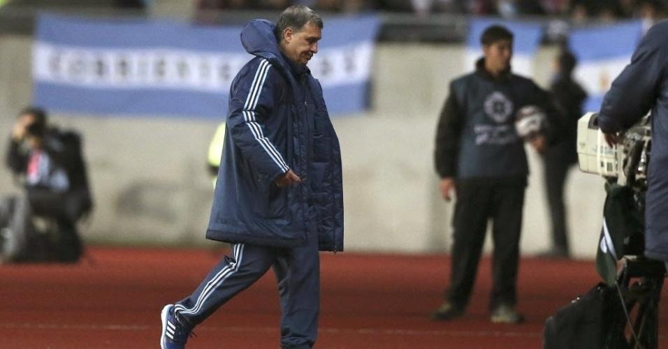 Tata Martino sai de campo após ser expulso pelo árbitro brasileiro Sandro Meira Ricci