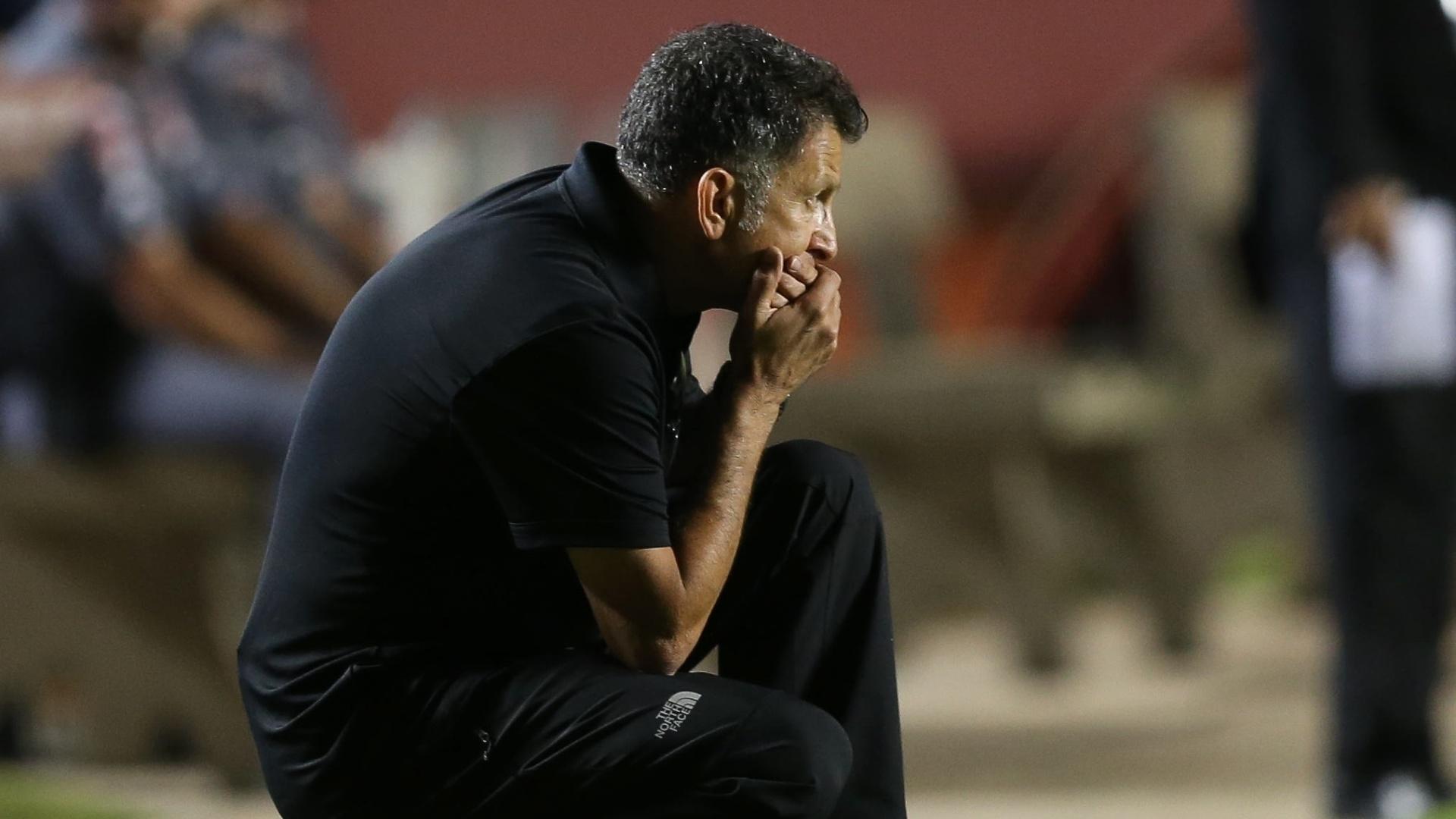 Osorio assiste à partida entre São Paulo e Atlético-PR, disputada no Morumbi