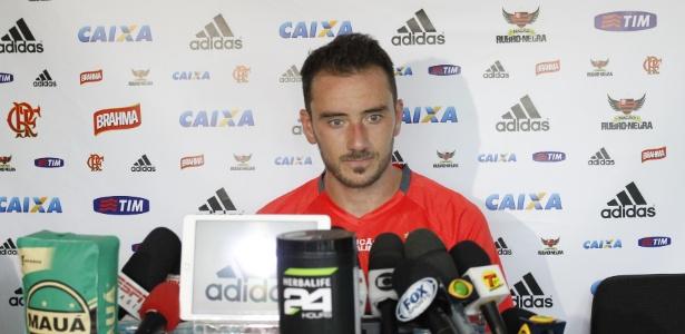 Mancuello concede entrevista coletiva após marcar dois gols em jogo-treino na Gávea