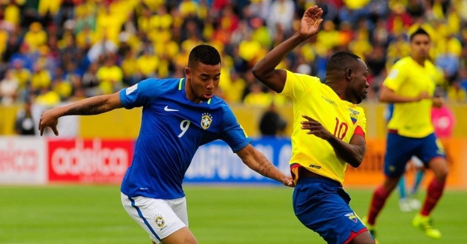 Gabriel Jesus 'entorta' marcador equatoriano no jogo do Brasil pelas Eliminatórias da Copa