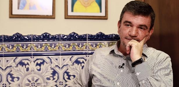 O ex-presidente Andrés Sanchez tem reunião com Roberto de Andrade nesta segunda-feira