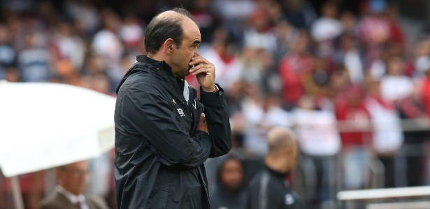 O técnico Ricardo Gomes deve permanecer no São Paulo