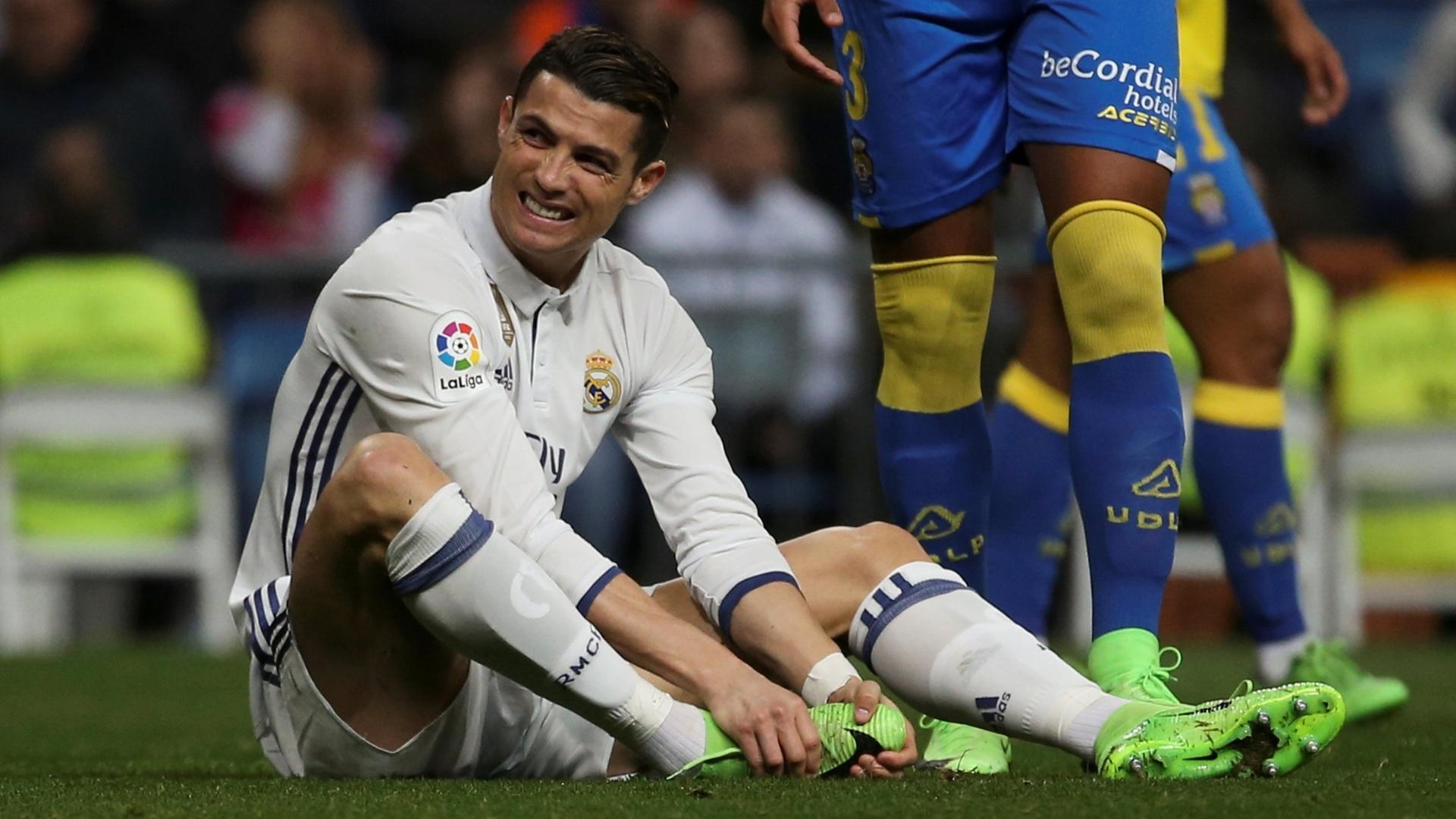 Cristiano Ronaldo lamenta após lance errado do Real Madrid
