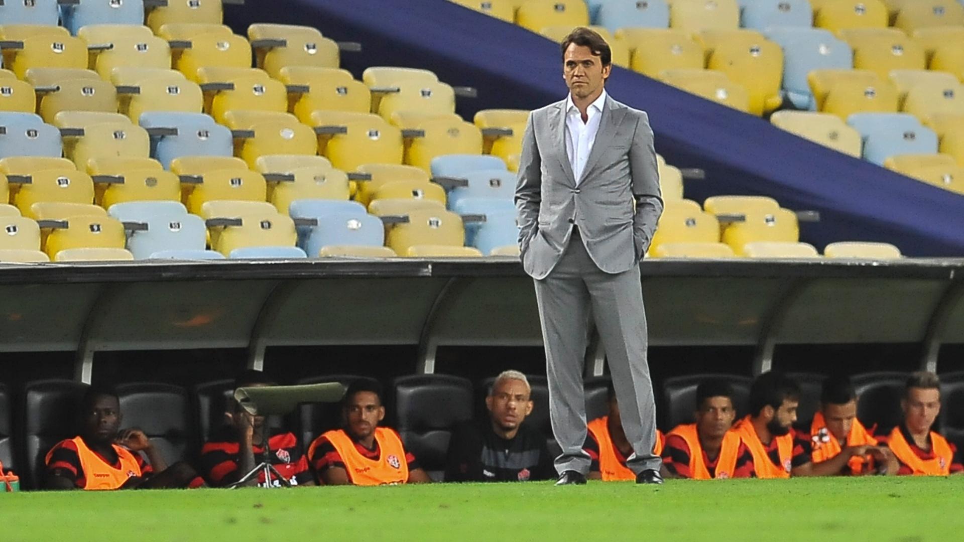 Petkovic em partida entre Fluminense e Vitória