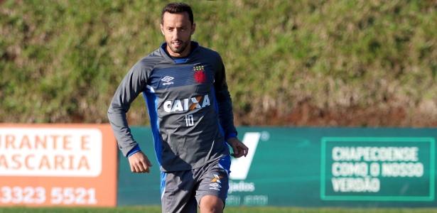 Nenê, que completa 36 anos, não treinou nesta quarta-feira no Vasco