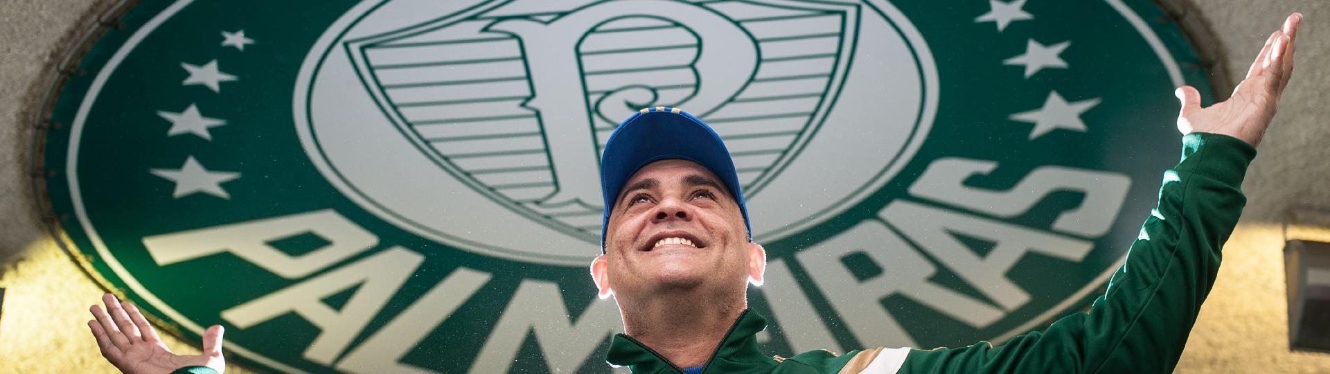 Ex-goleiro Marcos da equipe do Palmeiras, durante entrevista sobre as comemorações do centenário do Palmeiras (agosto de 2014)