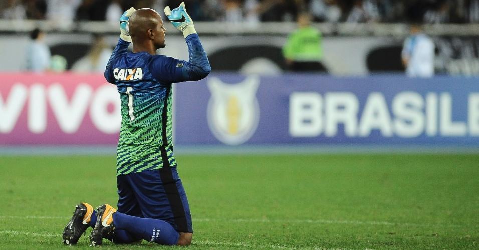 Jefferson foi mais uma vez titular no gol do Botafogo