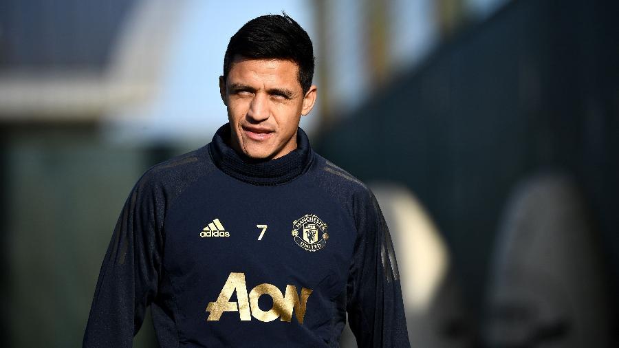 """Alexis Sánchez admitiu que Mourinho criou """"climão"""" nos vestiários do United - FRANCK FIFE/AFP"""