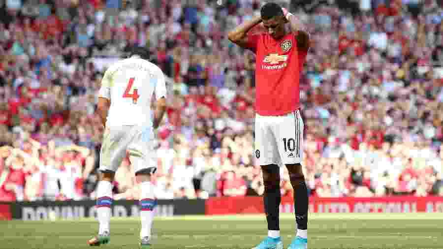 Marcus Rashford desperdiça cobrança de pênalti na partida entre Manchester United e Crystal Palace - Jan Kruger/Getty Images