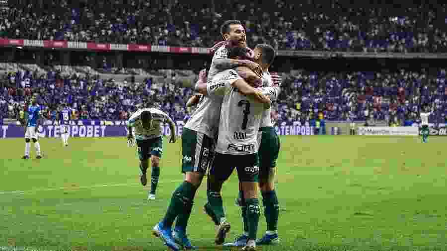 Cruzeiro foi rebaixado após perder por 2 a 0 para o Palmeiras, em dezembro do ano passado, no Mineirão - Pedro Vilela/Getty Images