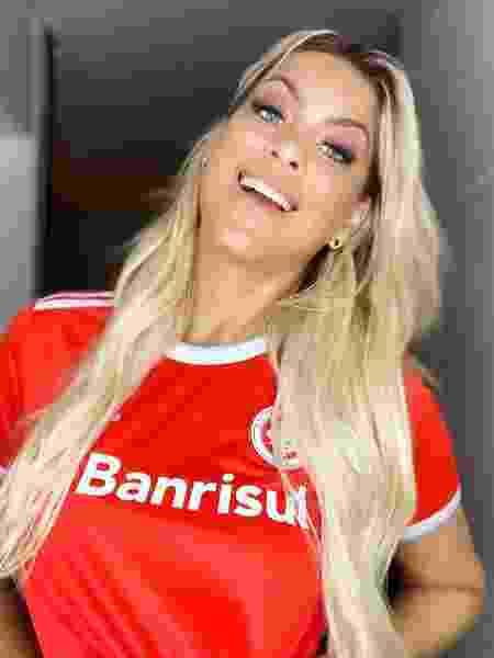 Renata Fan com a camisa do Internacional - Reprodução/Instagram