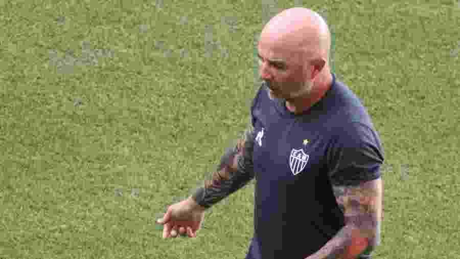 Jorge Sampaoli, técnico do Atletico-MG, durante partida contra o América-MG pelo Campeonato Mineiro - Fernando Moreno/AGIF