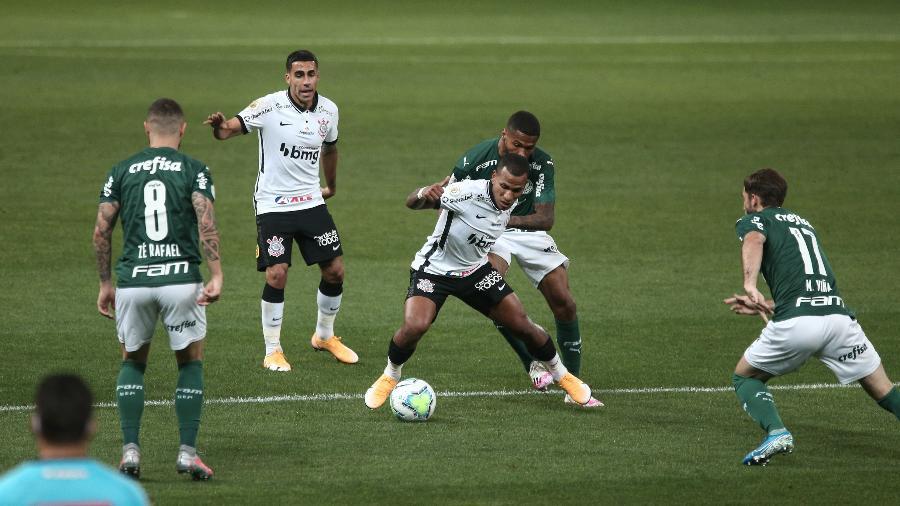 No último Dérbi, o Palmeiras goleou o Corinthians, por 4 a 0, no Allianz Parque  - Ettore Chiereguini/AGIF