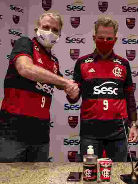 Bernardinho e Rodolfo Landim firmam acordo - Marcelo Cortes / Flamengo