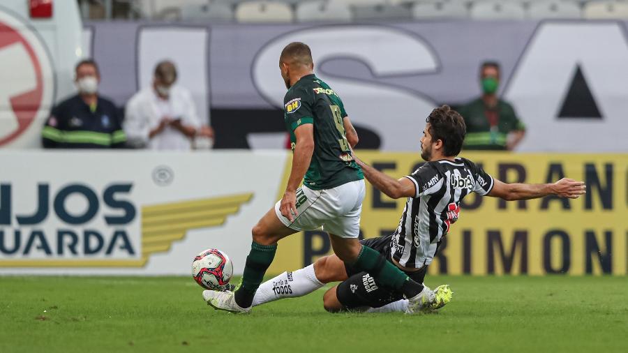 Igor Rabello e Rodolfo, na partida entre Atlético-MG e América-MG, pela final do Mineiro 2021 - Pedro Souza/Atlético-MG