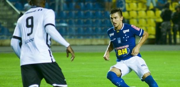 Atacante esteve perto de marcar um gol, mas parou no travessão e no goleiro Walter - Gabriel Lordello/Light Press/Cruzeiro