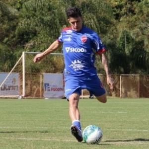 Jean Carlos é alvo do São Paulo