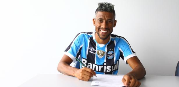 Aos 38 anos, Léo Moura assinou com o Grêmio até o final da temporada