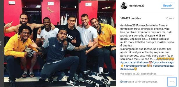 Daniel Alves posta foto no vestiário da Juventus. Relacionamento no clube é excelente