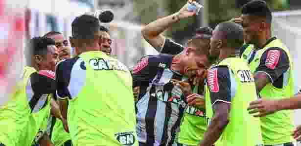 Jogadores do Atlético-MG comemoram gol de Rafael Moura, que mantém campanha 100% no Mineiro - Bruno Cantini/Clube Atlético Mineiro
