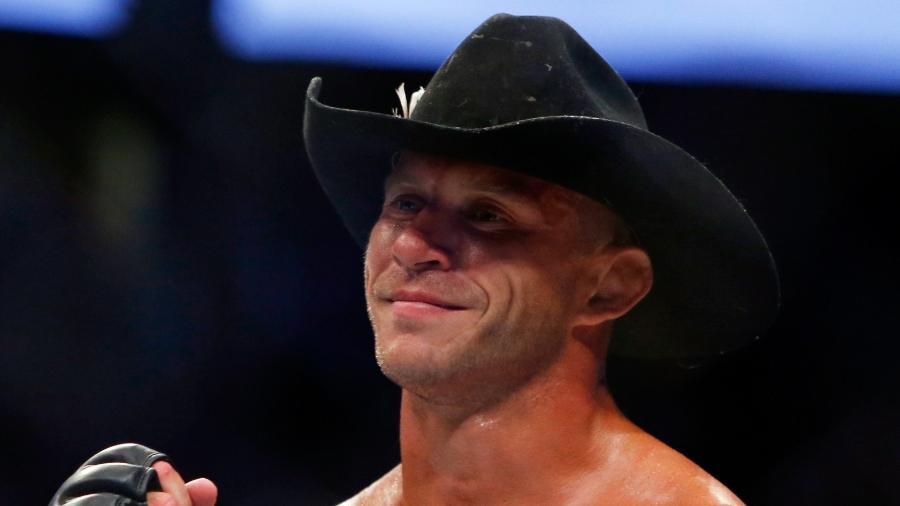 Donald Cerrone celebra após derrotar Rick Story no UFC 202 - Steve Marcus/Getty Images/AFP