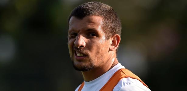 Vecchio ressurgiu como titular de Elano após nove meses sem jogar
