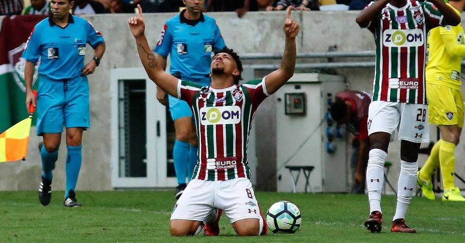 Douglas comemora gol que abriu o placar para o Fluminense contra a Ponte e1951a0679e76
