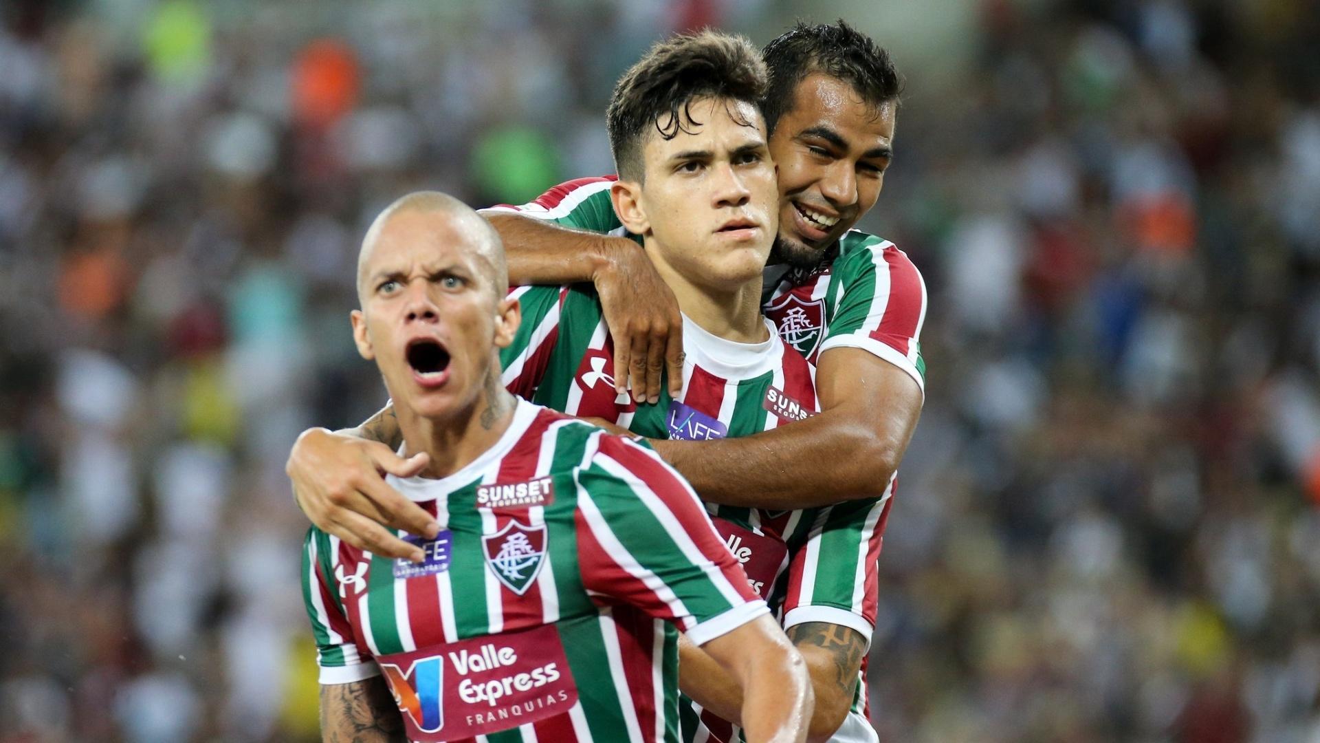 Marcos Junior, Pedro e Sornoza comemoram gol do Fluminense contra o Vasco