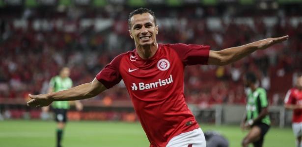Leandro Damião é tratado como prioridade independente da chegada de Luiz Adriano - RICARDO BARCELLOS/PHOTOPRESS/ESTADÃO CONTEÚDO