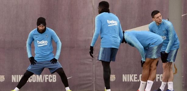 Apesar de ter treinado, Messi ainda é dúvida para o clássico contra o Real Madrid - Josep Lago/AFP