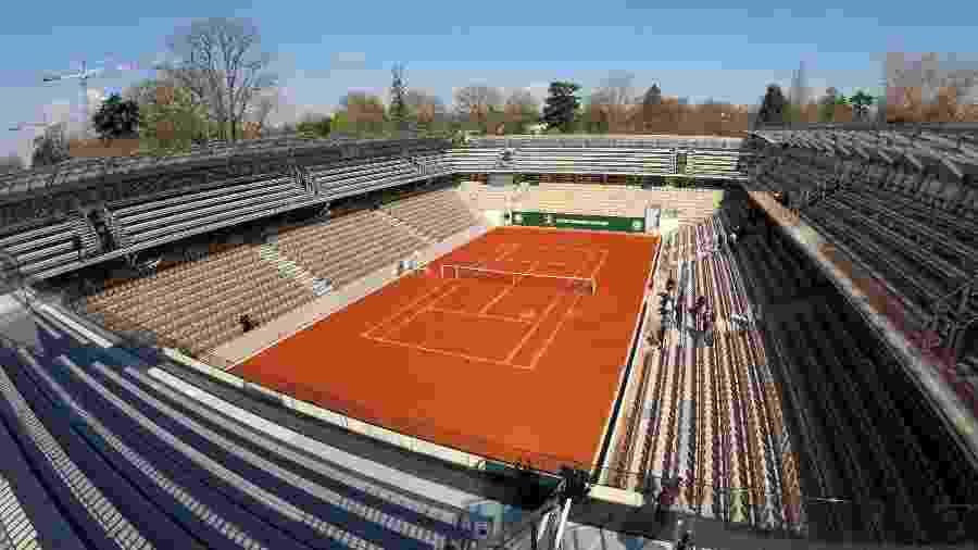 Visão geral da nova quadra de tênis Simonne-Mathieu, projeto do arquiteto Marc Mimram, no estádio de Roland Garros em Paris - Charles Platiau/Reuters