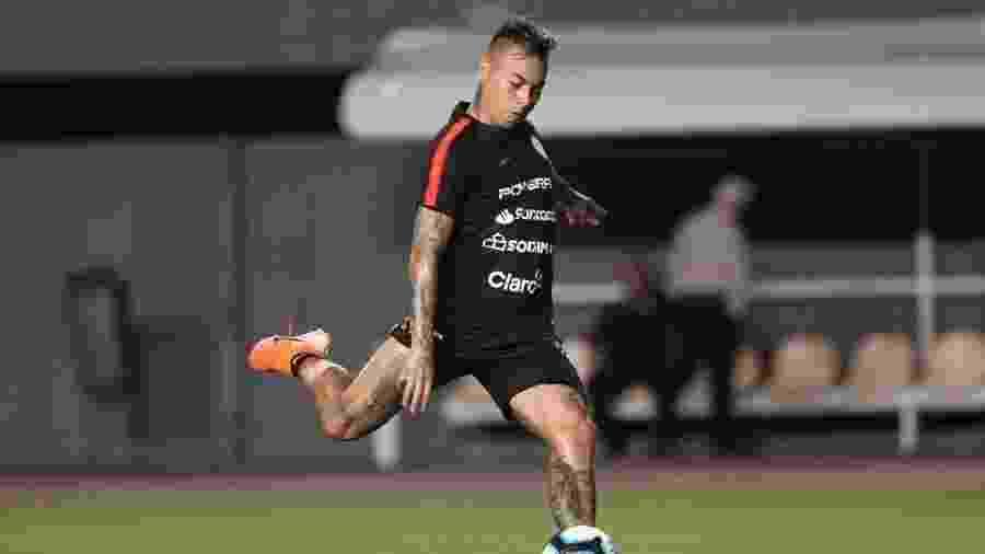 Eduardo Vargas está negociando com o Atlético Mineiro, que é treinado por Jorge Sampaoli - Divulgação