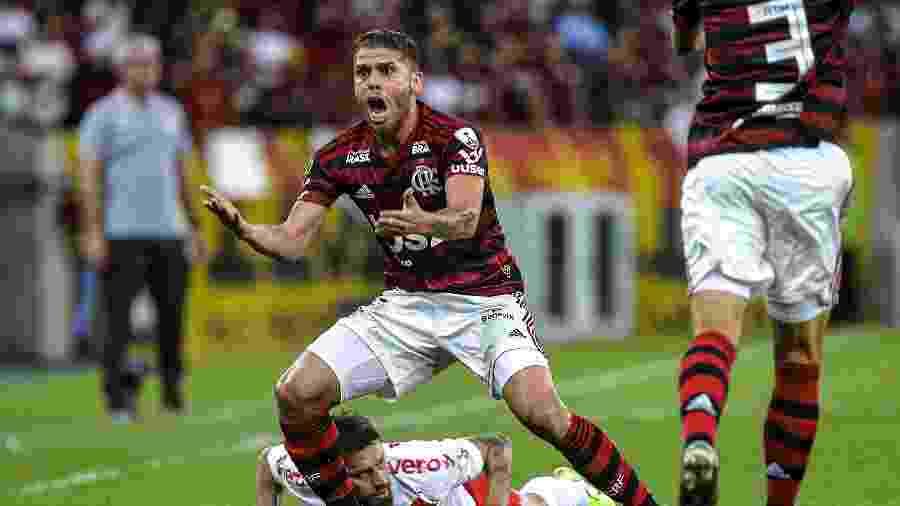 Volante colombiano Cuéllar está em litígio com o Flamengo - Alexandre Vidal & Marcelo Cortes / Flamengo